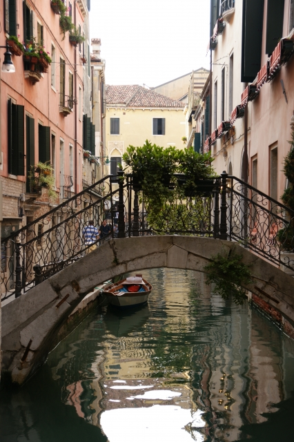 イタリアのヴェネチアで飲まないと損!地元の人も愛するスピリッツ(spritz)とは